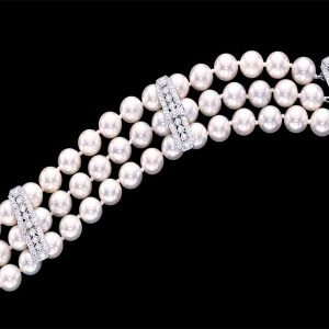 Diamond Studded Pearl Bracelet