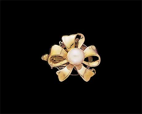 Golden Ribbon Pearl Bracelet Clasp