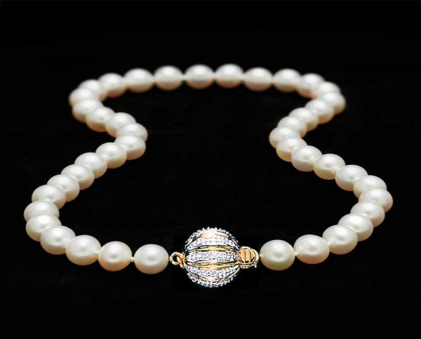 Gold Diamond Ball Pearl Necklace