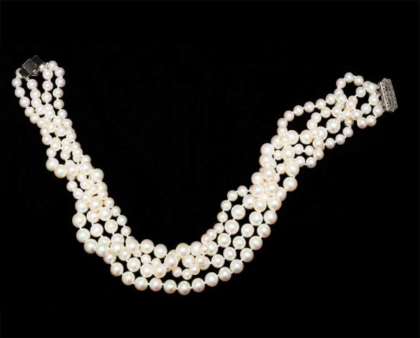 Relaxed Pearl Necklace - Silver