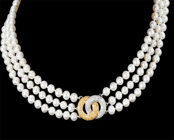 Victoria Diamond Clasp with Pearl Necklace