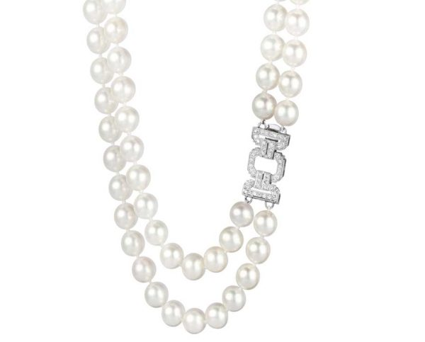 White Side Buckle Pearl Necklace