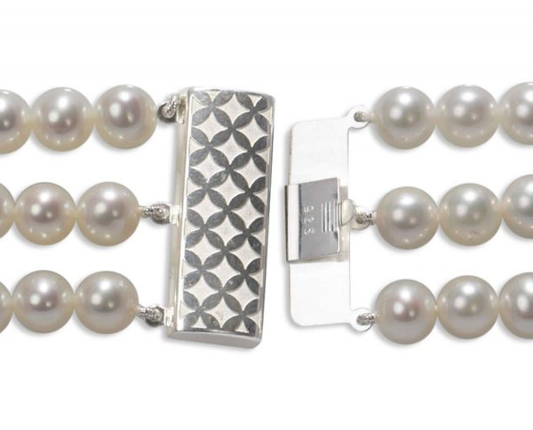 Checked Triple Strand Bracelet Pearl Clasp