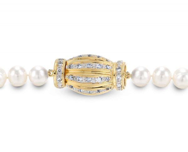 Pearl Bracelet Gold and Diamond Barrel Clasp